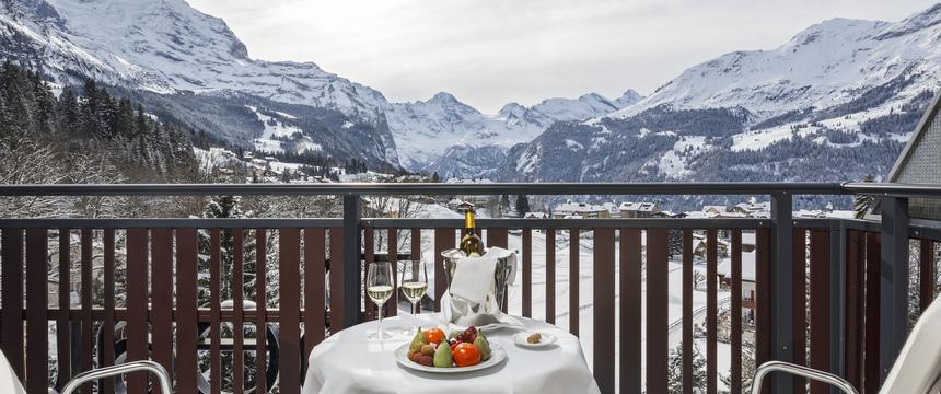 Switzerland_Wengen_Hotel-Beausite-Park-Jungfrau-Spa_twin-bedroom-view.jpg